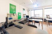 FEI STU pre študentov otvorila dve nové laboratóriá, ďalšie je vo výstavbe