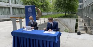 NBS podpísala memorandum s FEI STU